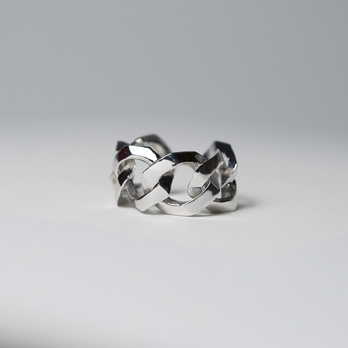 Bold Chain Ring