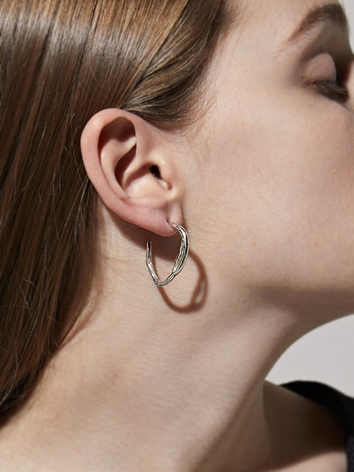 Irregular oval earring