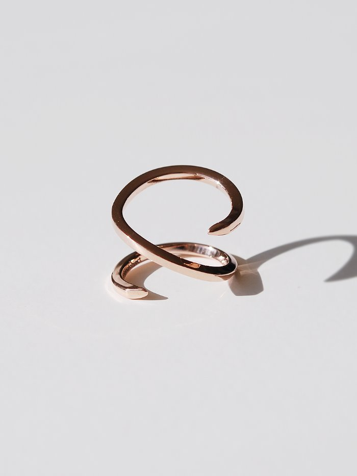 Clean Line M ring 14k gold