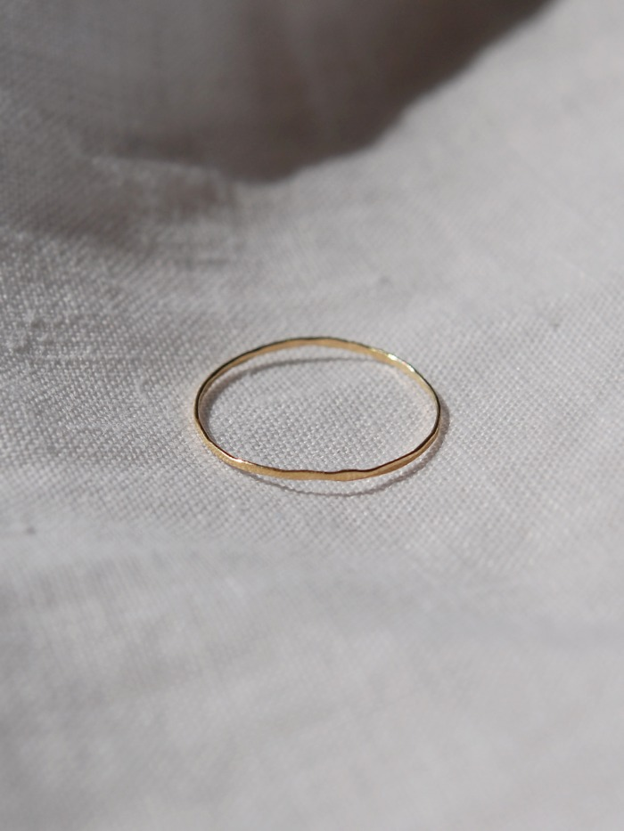 14k thin hammered band