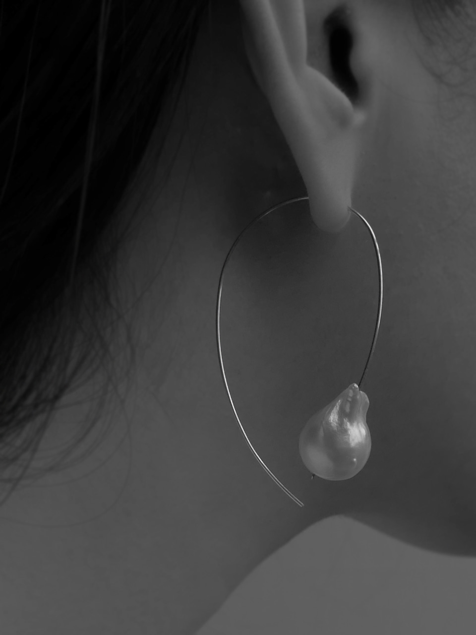 Baroque pearl silver line earring